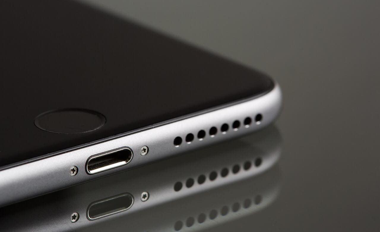 nuoc-vao-loa-iPhone-3-cach-xu-ly